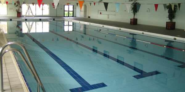 Swimming Lessons Oxted at Moor House School Swimming Pool