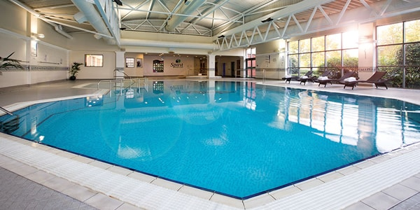 Swimming Lessons West Drayton at The Crowne Plaza Heathrow Swimming Pool
